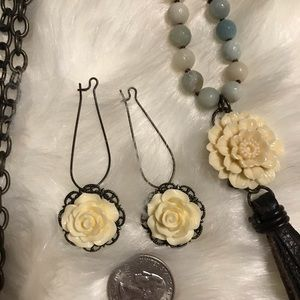 Plunder set, necklace and matching earrings